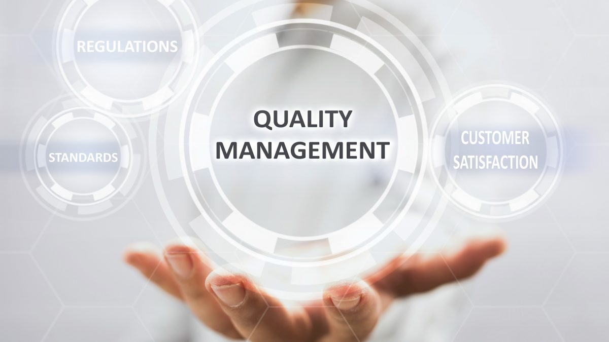 gestao da qualidade formada por regulação, padrões e satisfação do cliente